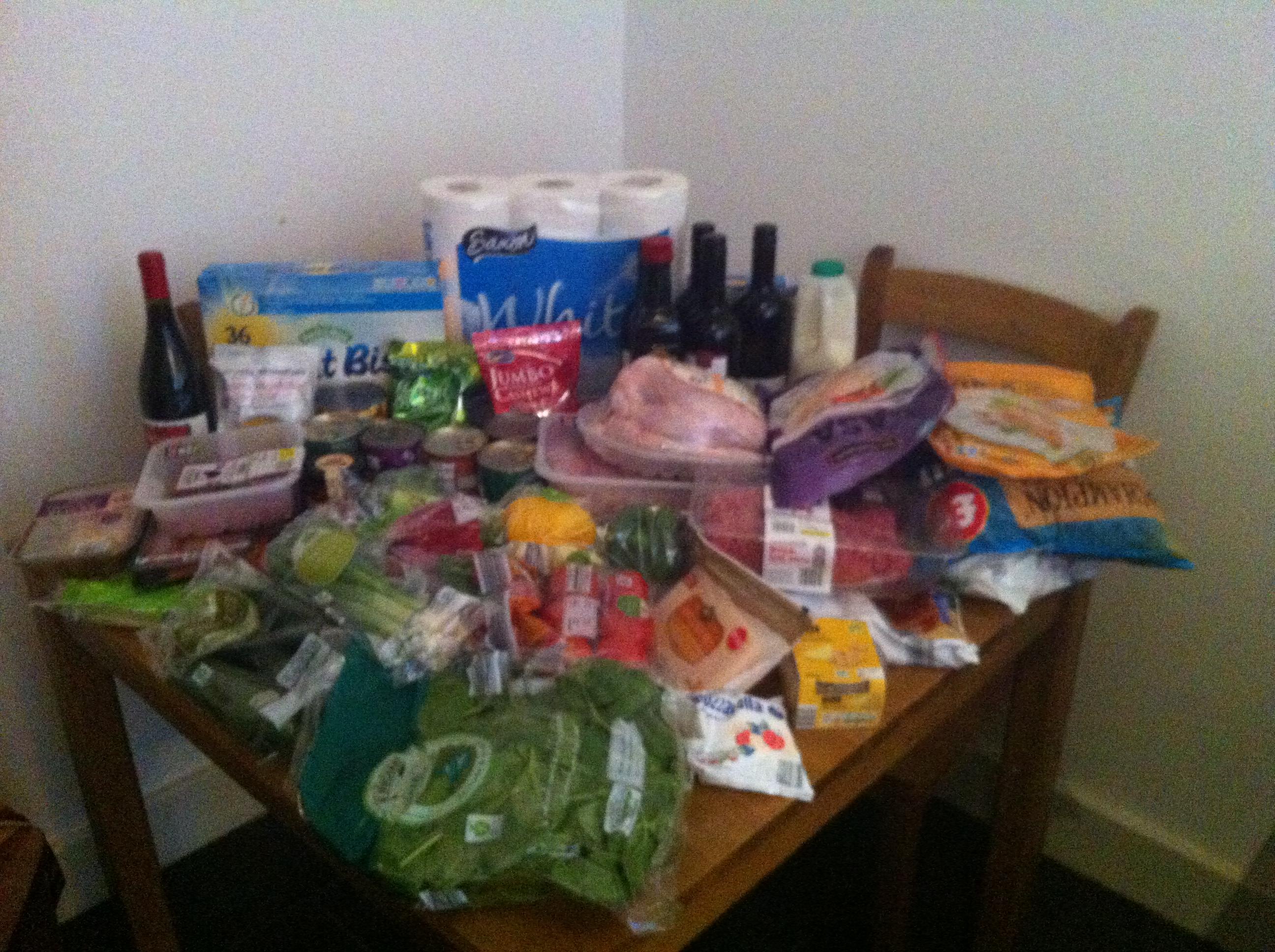Discount supermarkets cheaper - Aldi photo